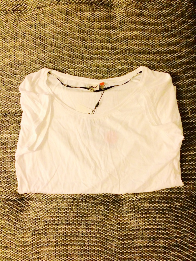 White t-shirt - Only - €3
