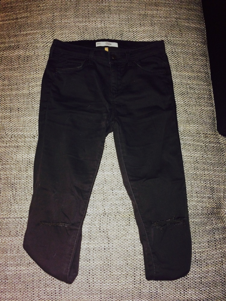 Black Leigh jeans with ripped knees - Topshop - €53