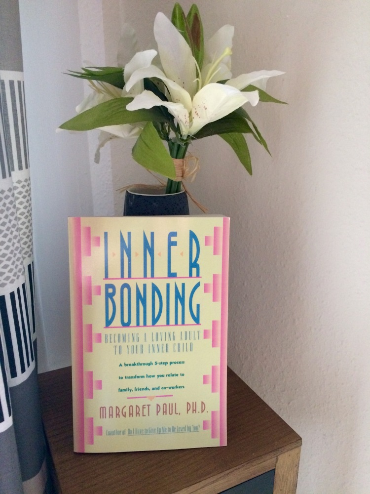 Inner Bonding: Becoming A Loving Adult To Your Inner Child by Margaret Paul