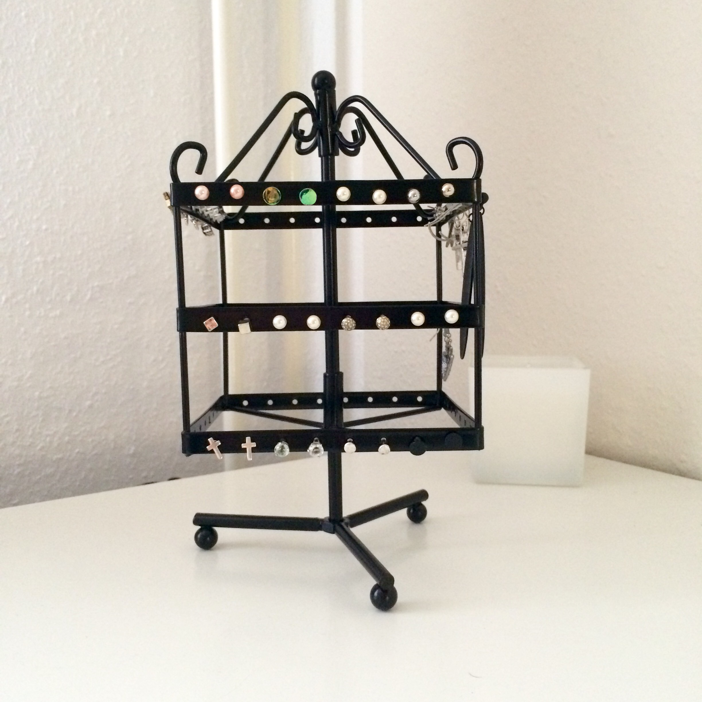 Earring holder from Tiger