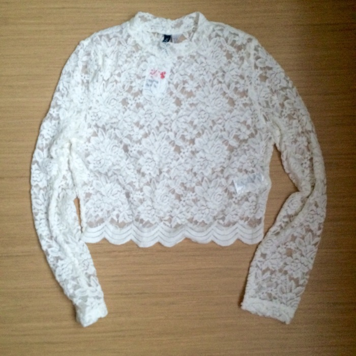 White Lace Long-sleeve Top - €7